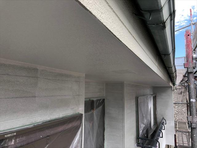 軒天の塗装、完了です
