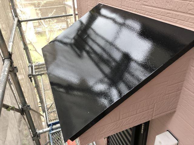 板金屋根の塗装です