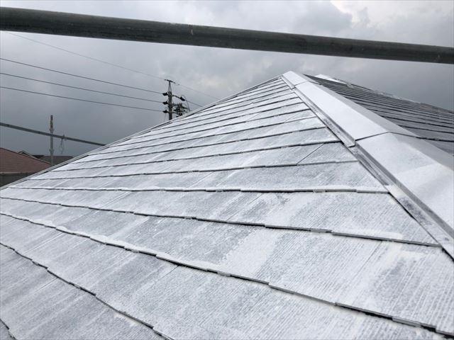 屋根の下塗り1回目塗装、完了