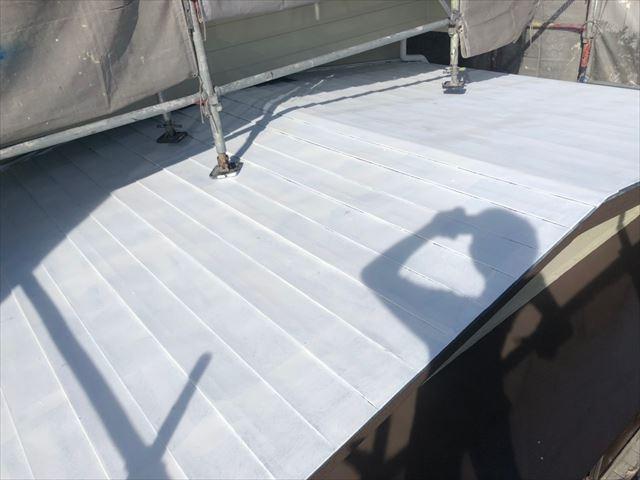 瀬戸市品野町で瓦棒屋根の仕上げ塗装を行いました