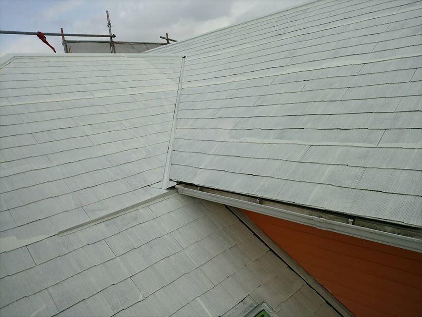 屋根の下塗り1回目完了