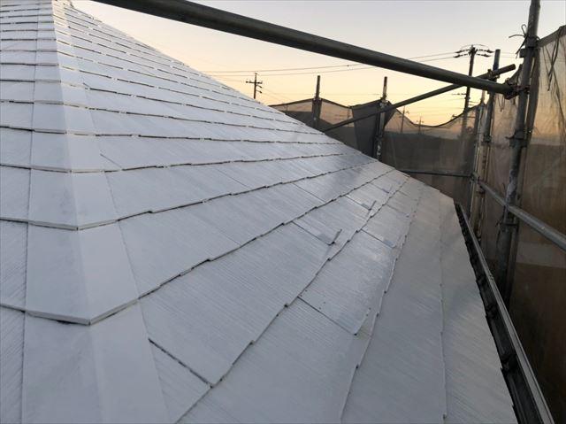屋根の2回目下塗りです