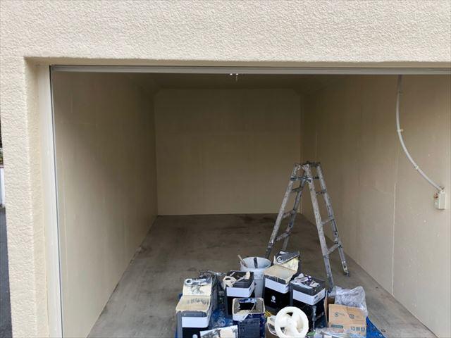 車庫の塗装です